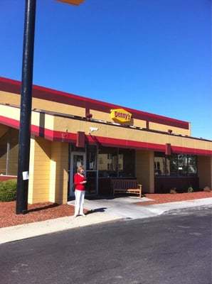 Denny's Near Me Denny's is a coffee shop, a pancake house and a casual dining restaurant focused on family. They have more than one thousand restaurants nationwide so you might want to try this one out.