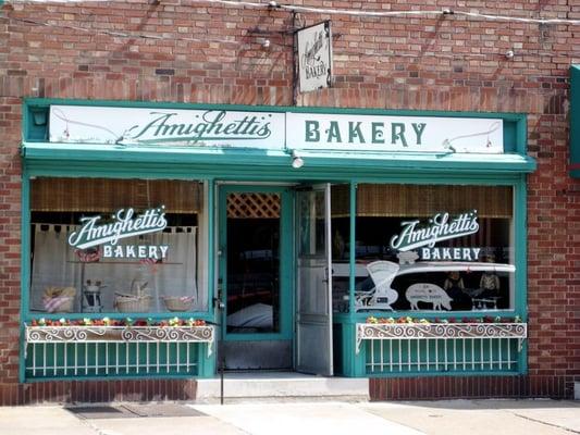 Amighetti S Cafe And Bakery