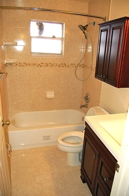 This is my new bathroom 5x8 remodeled in less than day 5x8 bathroom remodel