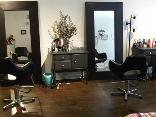 small 2 chair boutique hair salon and facial waxing