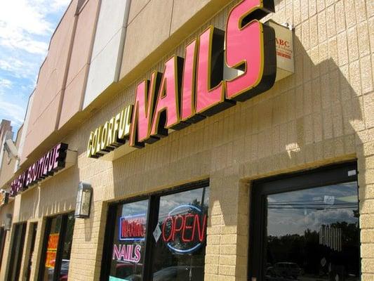 Colorful nails nail salons farmington hills mi yelp for 6 salon royal oak mi