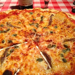 The Napoletano pizza is considered the original of the species; thin, crispy base, tomato sauce, mozarella, anchovies, capers