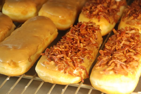Bacon Maple Bar!!! Taste like pancakes, maple syrup, and bacon. Great ...