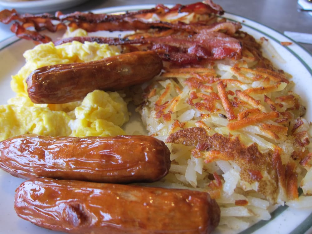 Weekend breakfast. Sausages + scrambled eggs + hash brown + bacon ...
