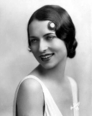 Agnes Moorehead (young) - lived in The Roth House in 1920s ...