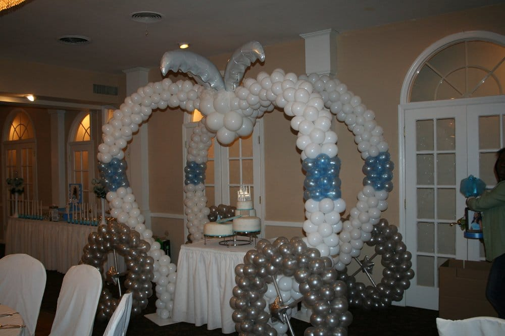 Cinderella carriage balloon sculpture for sweet yelp