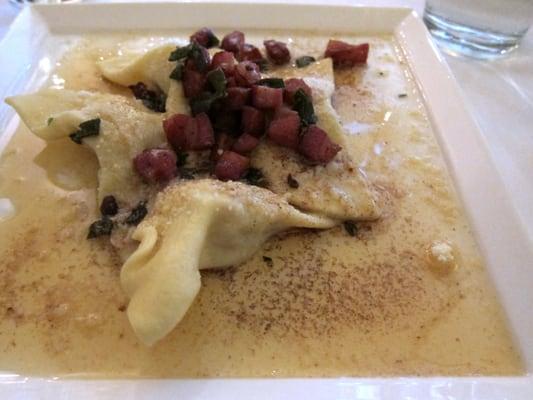 Agnolotti Di Zucca (Butternut squash ravioli, walnuts, parmesan cheese ...