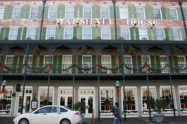 The marshall house hotell for Marshall house