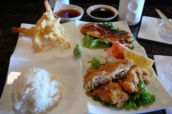 Sushi Raw Bento Special w/ shrimp tempura (3), salmon teriyaki ...
