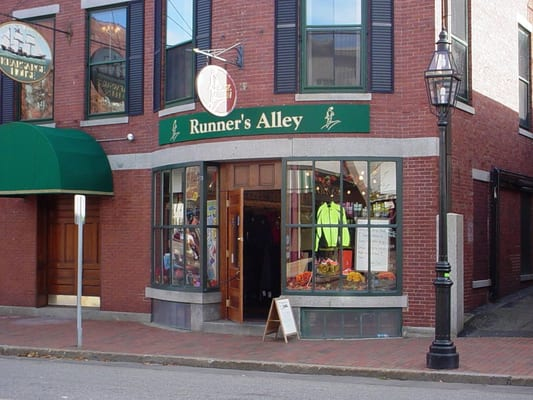 runner s alley portsmouth nh yelp. Black Bedroom Furniture Sets. Home Design Ideas