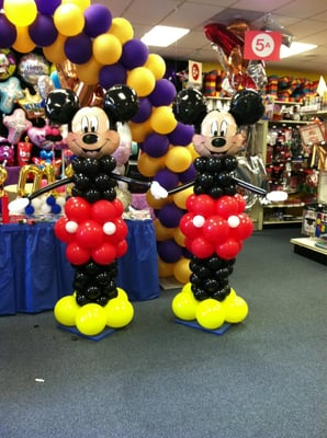 Mickey Mouse balloon pillars | Yelp