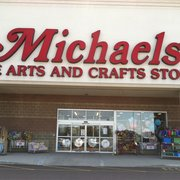 Michaels arts crafts everett ma yelp for Michaels arts and craft hours