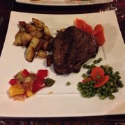 Filet de boeuf on a cold winter night at Au Vieux Paris d'Arcole