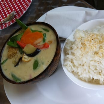 thai green tofu curry with coconut rice