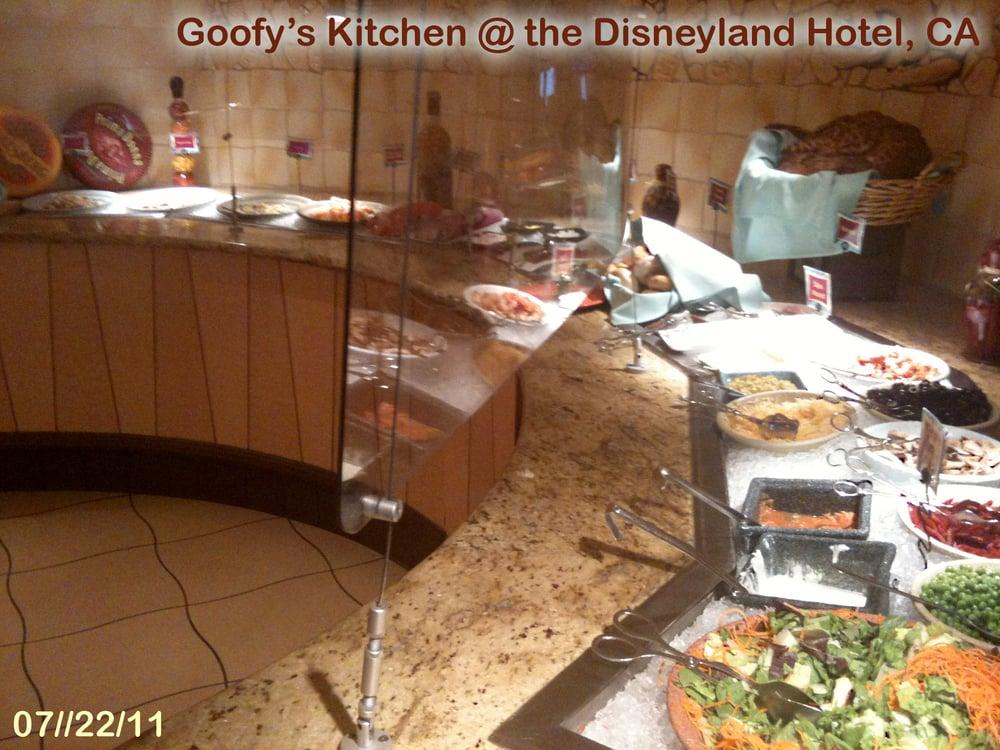 Goofy 39 S Kitchen The Disneyland Hotel Ca Yelp