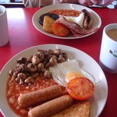 Full English, with the veggie option in the foreground
