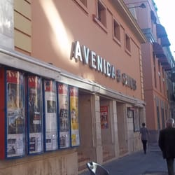 Avenida Cinco Cines, Sevilla