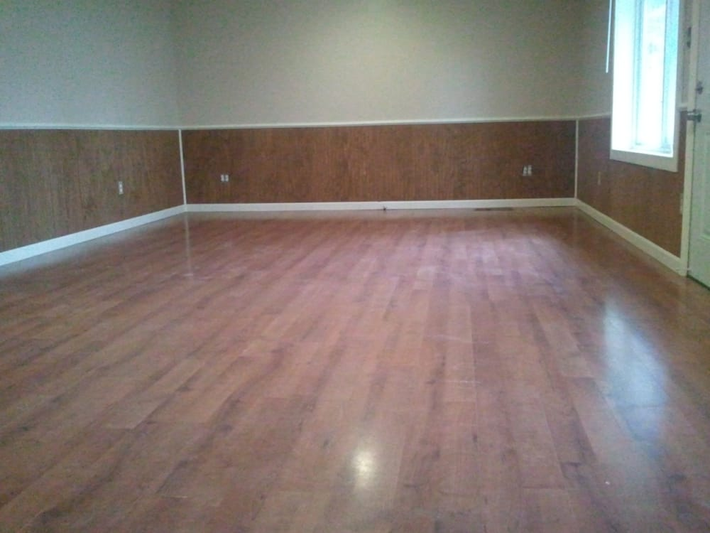 Laminate floors wasinscotting floor trim and chair rail for Laminate flooring michigan