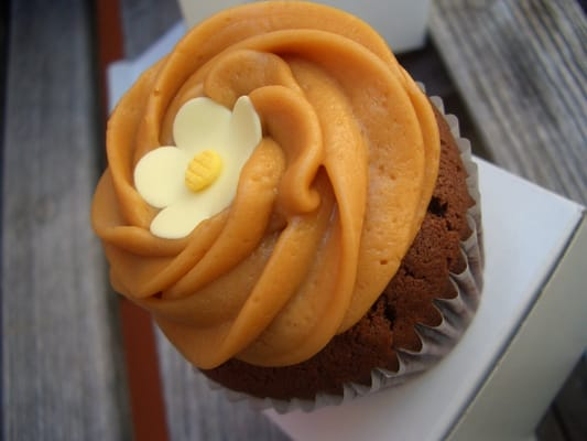 Chocolate Cupcake with Dulce de Leche Frosting | Yelp