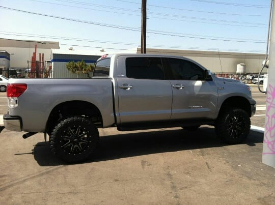 "2011 Tundra 7""lift with 35"" tires - LOVE my truck!! 