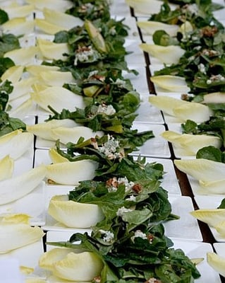 Arugula And Endive Salad With Candied Nuts, Blue Cheese And Balsamic ...