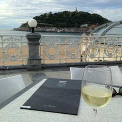 Vino blanco, with a view