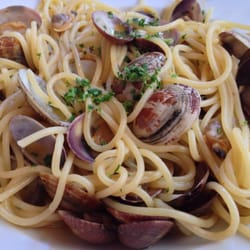 Spaghetti w/ fresh clams