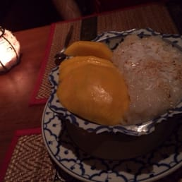 Sticky rice and mango