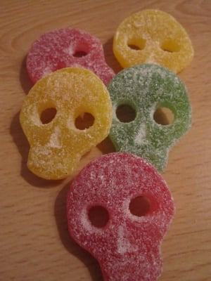 yummy yummy yummy ... so sweet and yet so salty skulls by Naschpirat