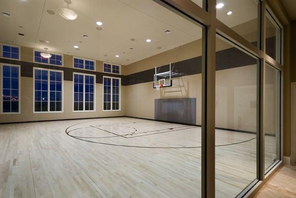 Indoor Basketball Half-CourtEmpty Indoor Basketball Court