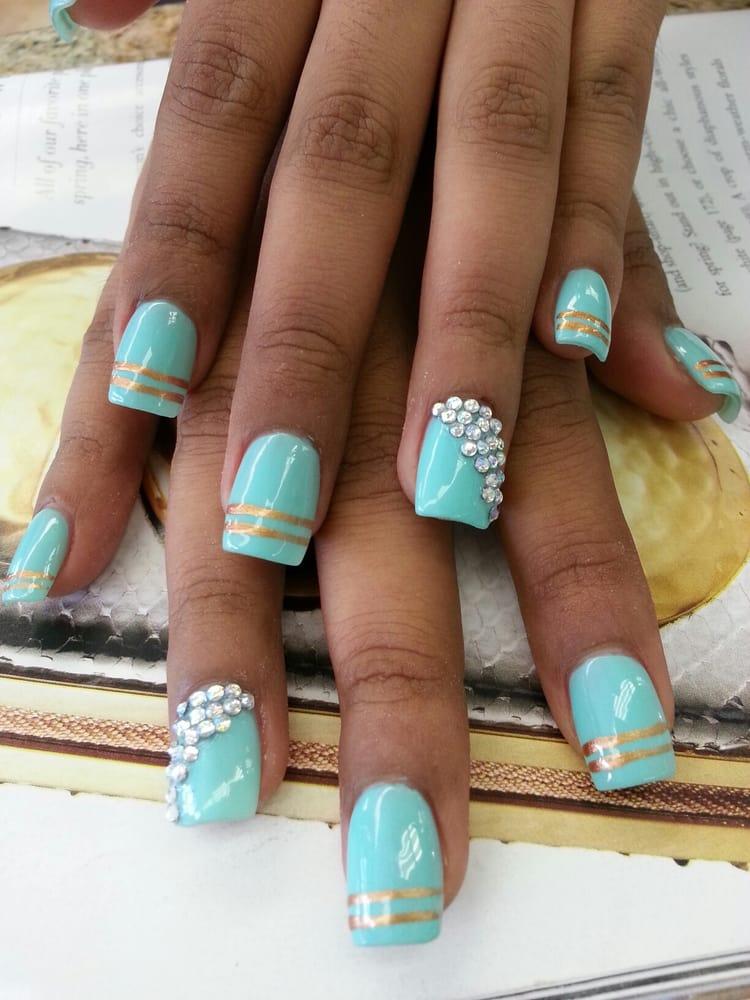 Голубые дизайны ногтей