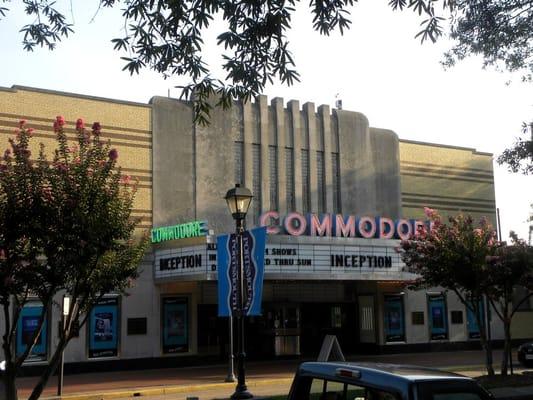 Comadore movie theater porthmouth va