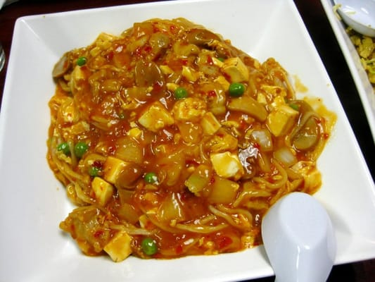 Mao pao tofu with chicken noodles - scrambled eggs, onions, mushrooms ...