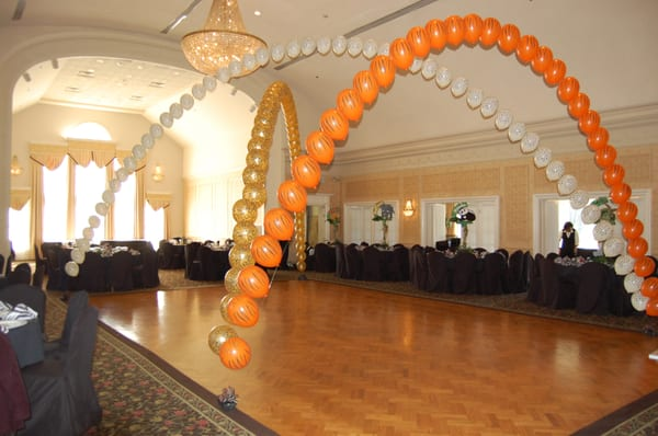 Dance Floor Balloon Decor | Yelp