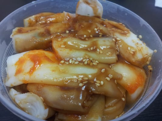 Medium rice noodles with fish balls and hot sauce yelp for Rice noodle fish