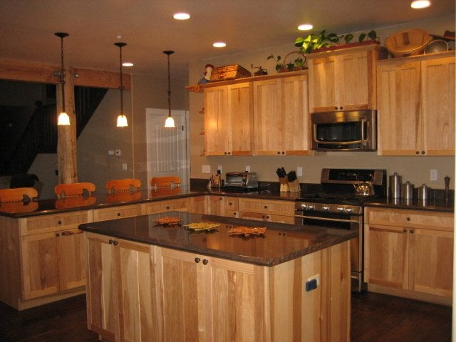 Countertop Companies Near Me : Hickory Natural Cabinets - Granite Countertop Yelp
