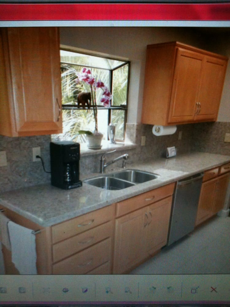 Quartz Countertop Height : Quartz countertops with full height backsplash. Brand: Silestone ...