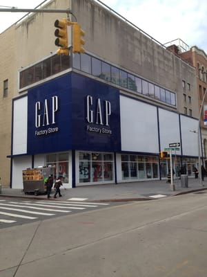 An H&M clothing store being built on the Fulton Street Mall in Downtown Brooklyn is among many national retail outlets planned for the area