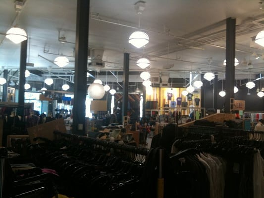 Urban Clothing Stores In La - All Globally