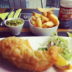 gluten free fish & chips with mushy peas