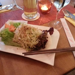 Goi Dudu (Green papaya salad with shrimps)