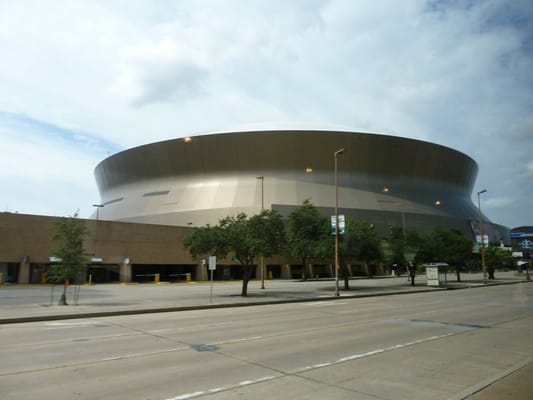 Mercedes benz superdome central business district new for Mercedes benz new orleans