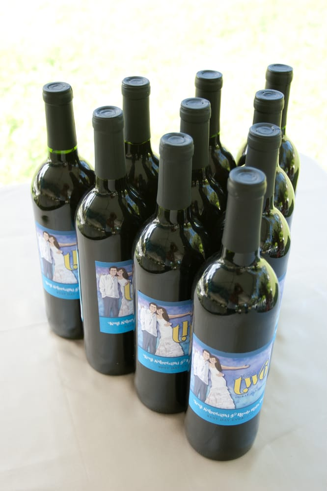 Personalized Wine Bottles For Wedding Gift : personalized design for wedding wine bottles, unique gifts & fun table ...