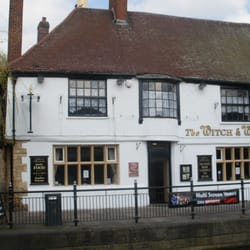 The Witch and The Wardrobe, Lincoln