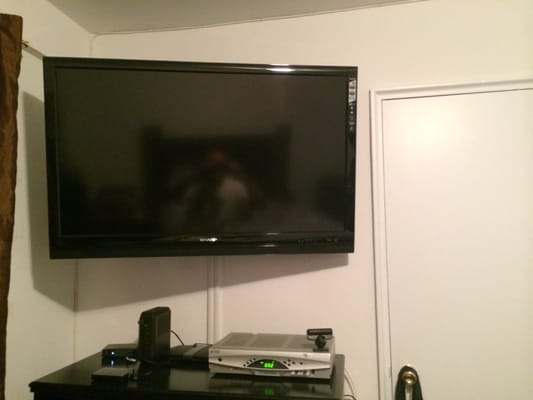 My Room Corner Full Motion And Tilting Mount Set Up