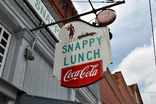 Mount Airy (NC) United States  city images : Snappy Lunch Mount Airy, NC, United States | Yelp