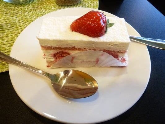 White Chocolate Raspberry Mousse Cake | Yelp