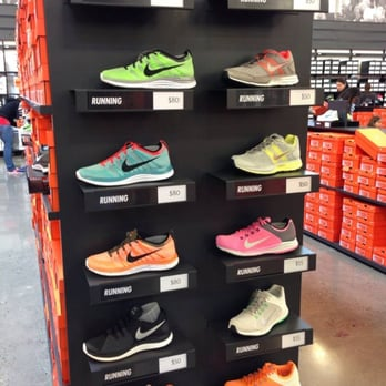 nike employee store oregon