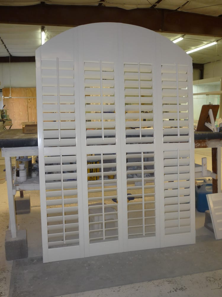 4 Panel Bifold Shutter With Center Divider Rail Yelp