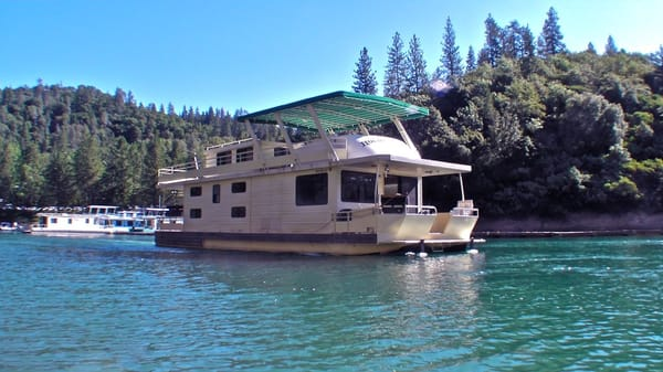 Houseboat lakes in california images for Houseboats for rent in california